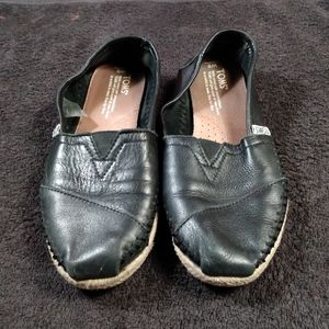 Toms Black Leather Espadrilles Sz 6 Slip On Shoes